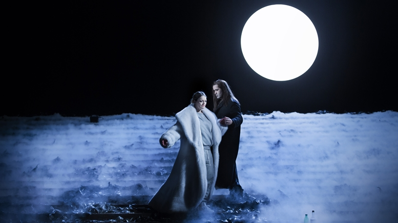 "Elin Rombo und Jeremy Carpenter in der ""Lustigen Witwe"" in der Stockholmer Oper"