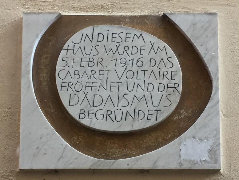 Gedenktafel am Haus Spiegelgasse 1. Alle Fotos B. Denscher