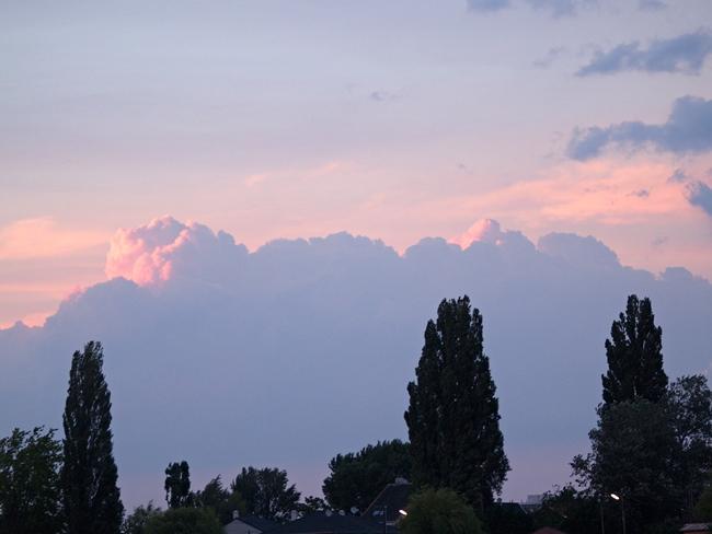 Wolken über der Alten Donau