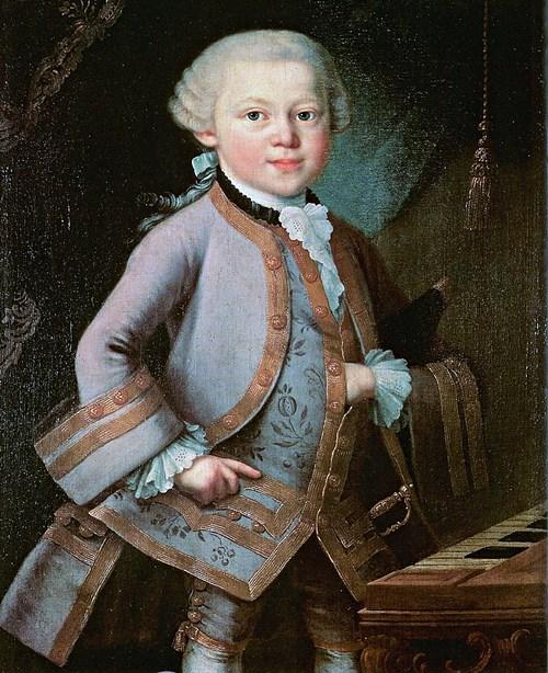 Dieses dem Maler Pietro Antonio Lorenzoni zugeschriebene Bild zeigt den siebenjährigen Mozart in jenem Galaanzug, den er nach seinem Konzert am Wiener Kaiserhof im Oktober 1762 geschenkt bekommen hatte und der ein abgelegtes Kleidungsstück eines Kaisersohnes war. Es ist anzunehmen, dass ihn Goethe in dieser Aufmachung gesehen hat.