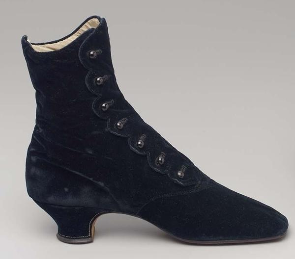 Geknöpfter Schuh, erzeugt in Frankreich zwischen 1875-1880 (Museum of Fine Arts Boston