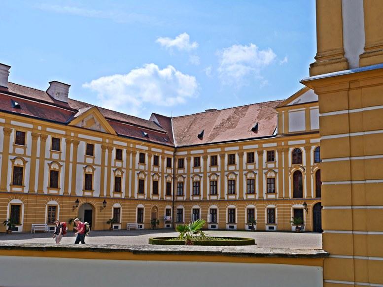 Schloss Jaroměřice, Innenhof